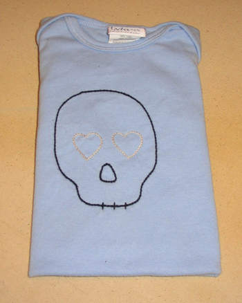 Blue_and_black_half_skully
