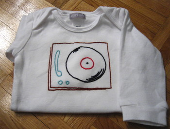 Long_sleeve_record_player
