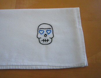 Skull_with_blue_eyes